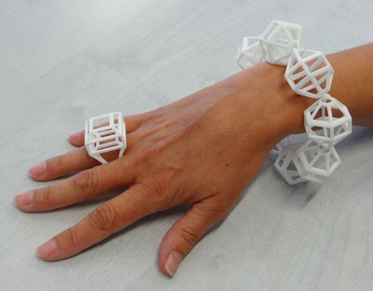 Prototypage bijoux par frittage de poudre chez axis
