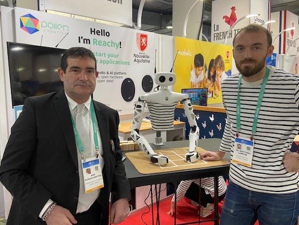 Axis spécialiste du prototypage rapide et son partenaire Pollen Robotics avec le robot Reachy